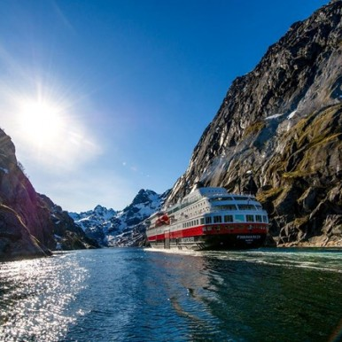 cruise the Norway coastline