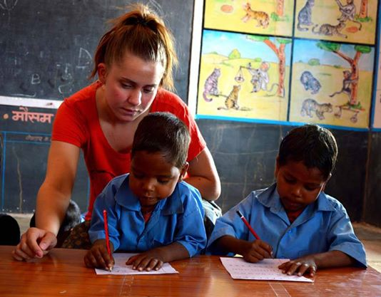 teaching children in India, with PoD Volunteer (1)