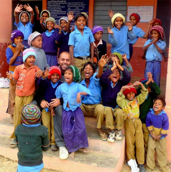 teaching children in India, with PoD Volunteer (2)