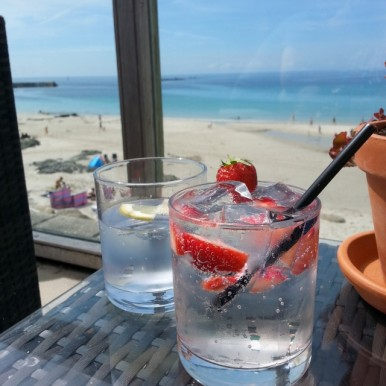 Cornish G&T at Ben Tunnicliffe, Sennen Cove